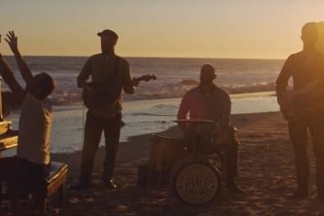 coldplay-everyday-life-nuevo-video-chris-martin-disco