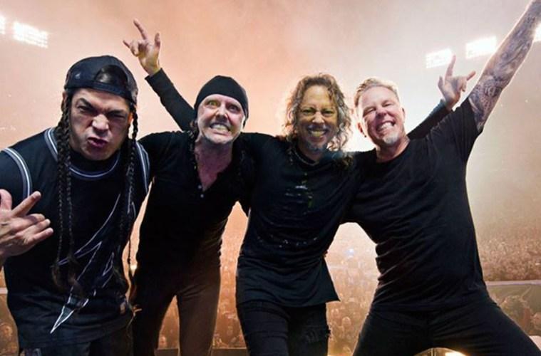 Metallica dona 500 mil dólares a Australia