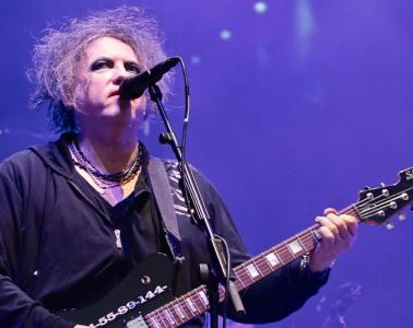 the-cure-robert-smith-live-stream-caridad-2020 1