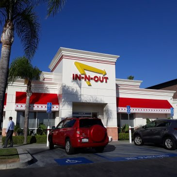 Let's go to In-N-Out Burger!