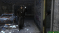 Um policial fugindo da própria polícia, mas por que?