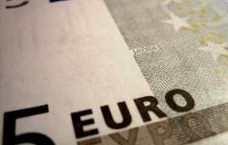 jlogan-euro_note_close.jpg