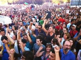 2012-09-15-crowd chanting-Bloco