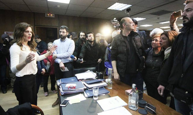 πολυνομοσχέδιο, Αχτσιόγλου, ΠΑΜΕ, ΚΚΕ, απεργία, δικαίωμα στην απεργία, γενική απεργία 12 Γενάρη