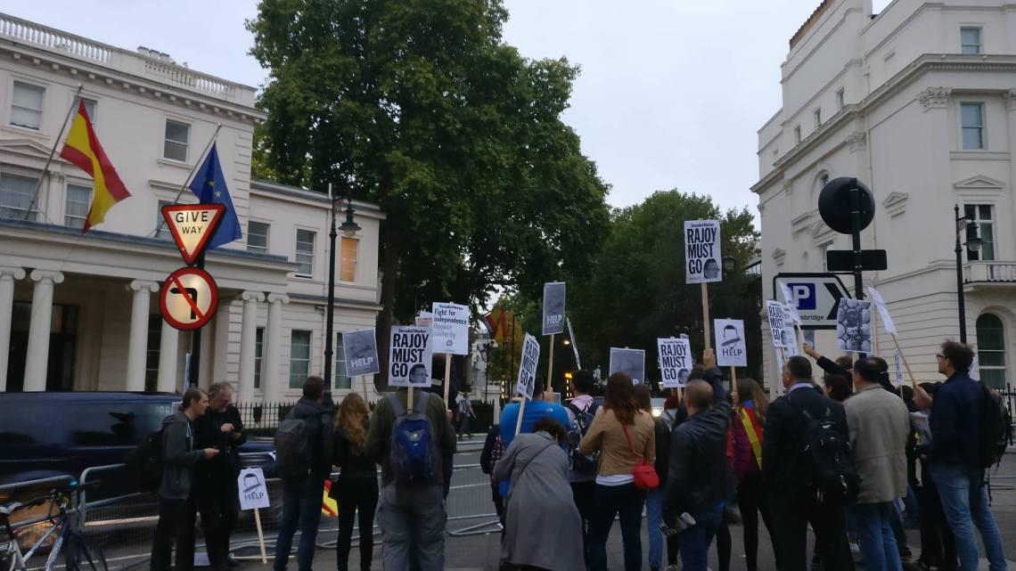 Pro-Catalan demonstrators rally in London
