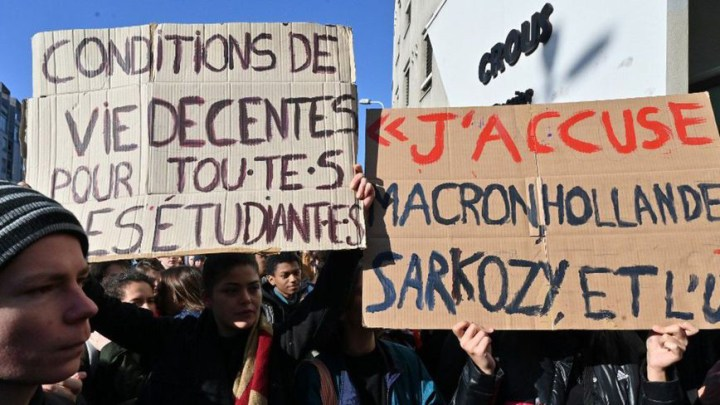 Student sets himself alight in France after losing grant – capitalism must go!