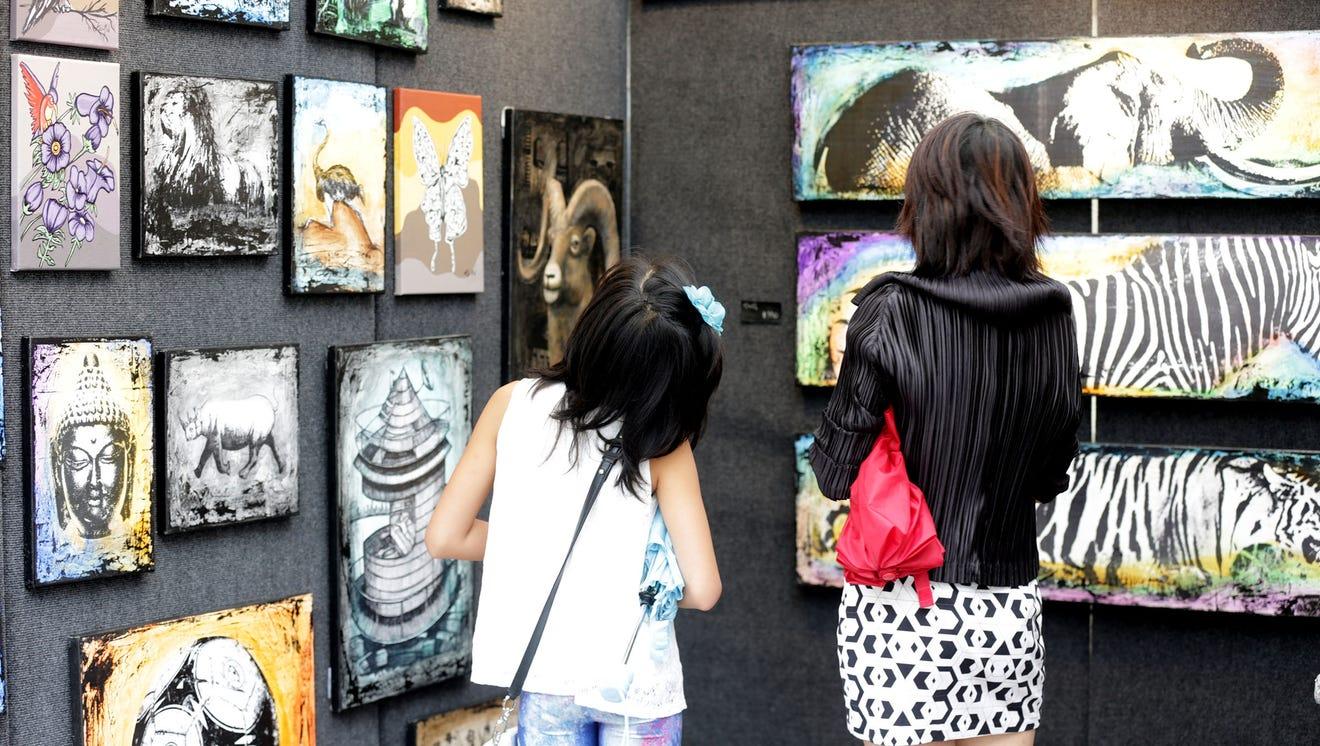 The Ann Arbor Art Fair has a history that dates to 1960.