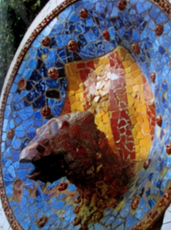 Gaudi | Parc uell sculptural detail central element of main flight of steps