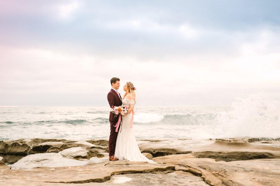La Jolla beach bride and groom - www.marycostaweddings.com