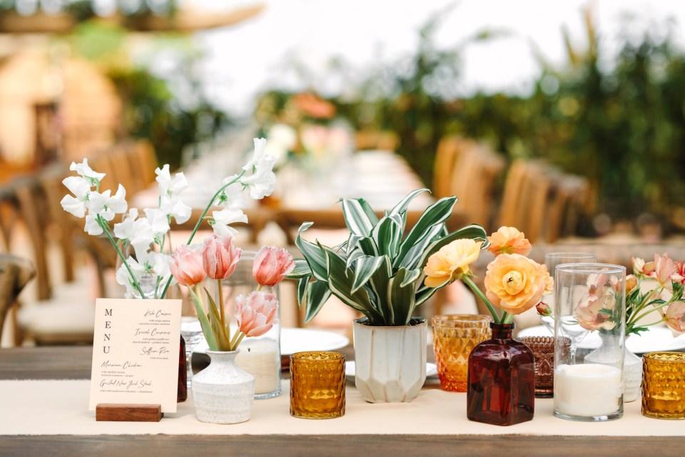 Wedding tablescape www.marycostaweddings.com
