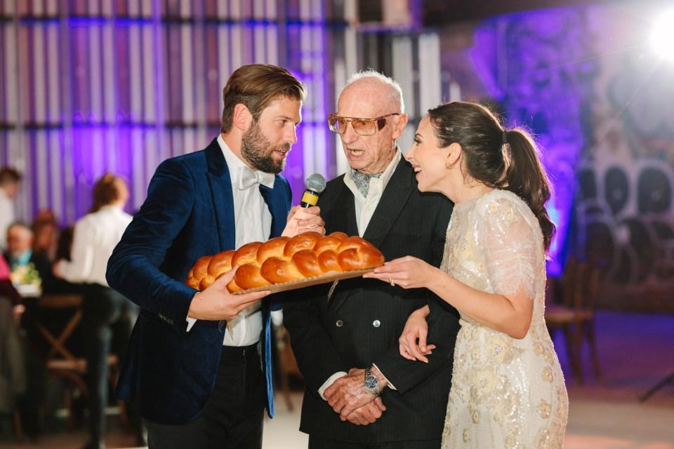 Challah bread blessing www.marycostaweddings.com