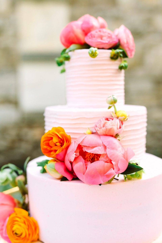 Pink peony vegan cake - www.marycostaweddings.com