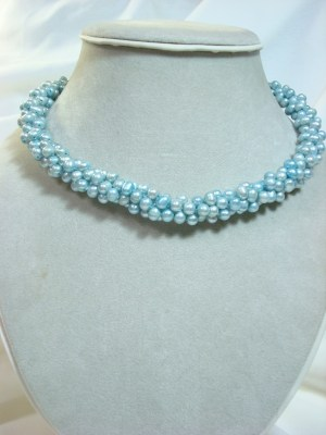 pearl blue necklace