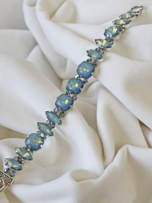 whit opal bracelet velvet