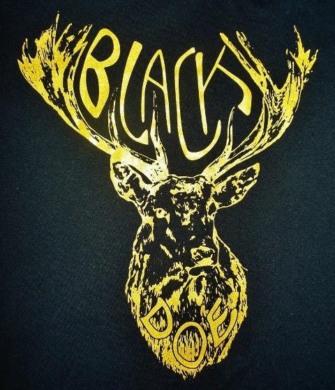 Black Doe T-shirt black & gold WEB