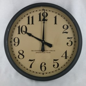The Standard Electric Time Company, Springfield, Massachusetts, wall clock, set at 10 o'clock, 2018.