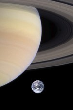 Planet_Saturn&Earth