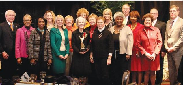 sparrow-health-system-executives-salute-the-lansing-area-athena-awardees-634-x-296