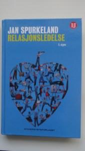 Selveste grunnboka i Relasjonsledelse. Skrevet av Jan Spurkeland og utkommet i 5. utgave høsten 2017.