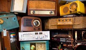 Celebrando el Día Mundial de la Radio.
