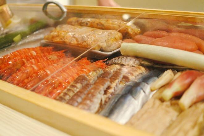 16330鮨肴匠くりや ネタケース