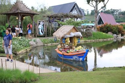 Salah satu objek foto di Floating Market Lembang