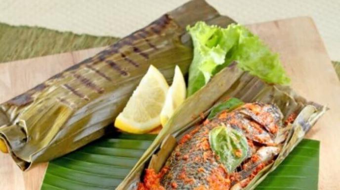 10. Pepes Ikan Mujair Kemangi