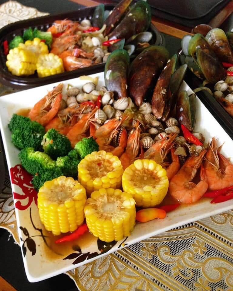 8. Mix Seafood Saus Padang