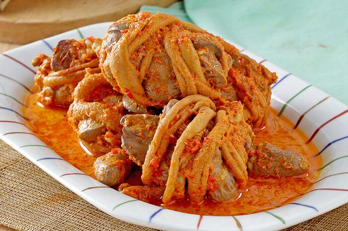 7. Resep Ampela Hati Ayam Masak Merah Enak, Meja Makan Jadi Semakin Meriah