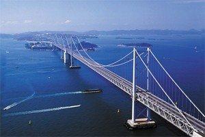 Система мостов пересекает внутреннее море Японии