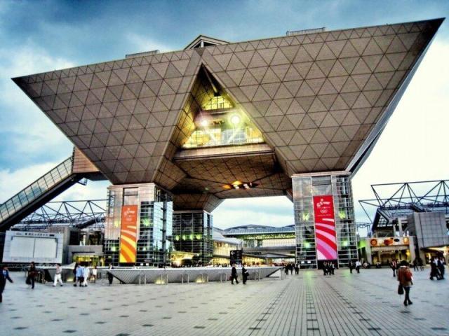 Токийский международный выставочный центр Tokyo Big Sight
