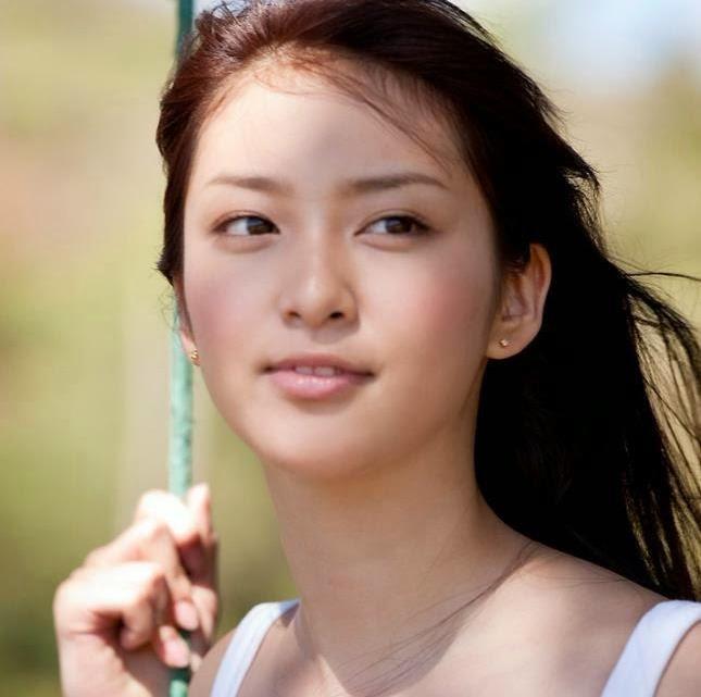 Японская девушка модель работы работа с проживанием в сочи для девушек