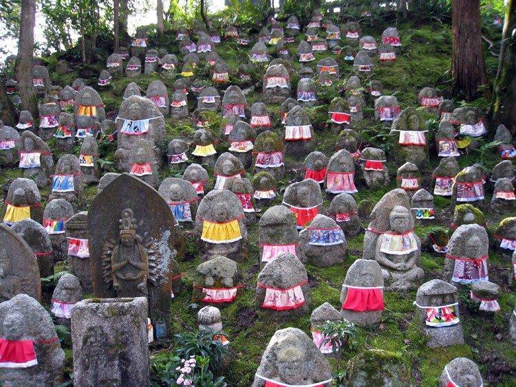Обон: японский фестиваль мертвых. Традиция достойная уважения