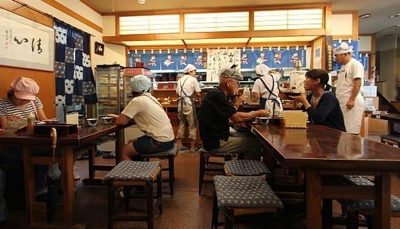 Кафе в Японии.