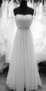Masako FoVintage wedding dress shop samplermals Vintage Shop