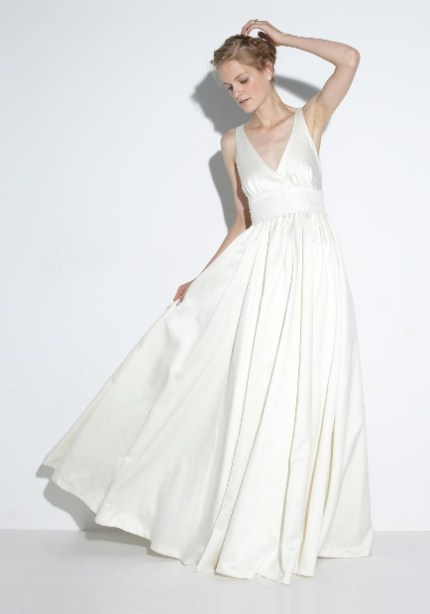 Under $1k wedding gown Nicole Miller