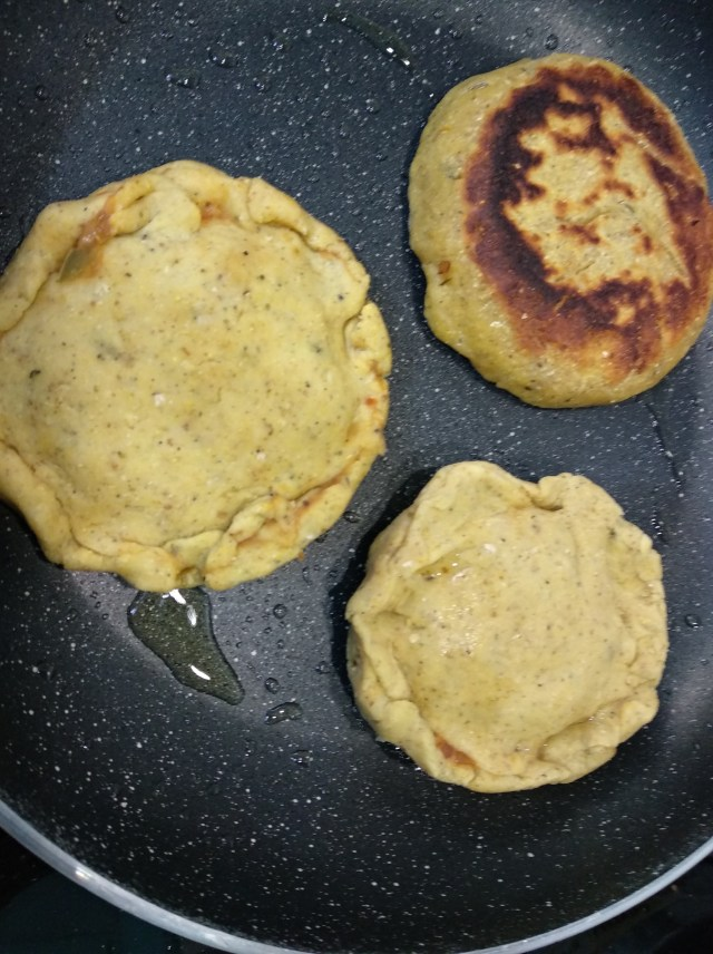Pupusas-cooking