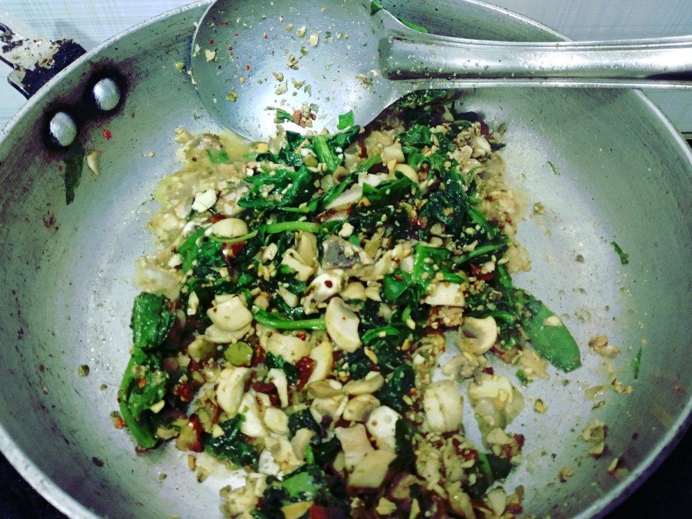 Ravioli-filling-spinach-mushroom