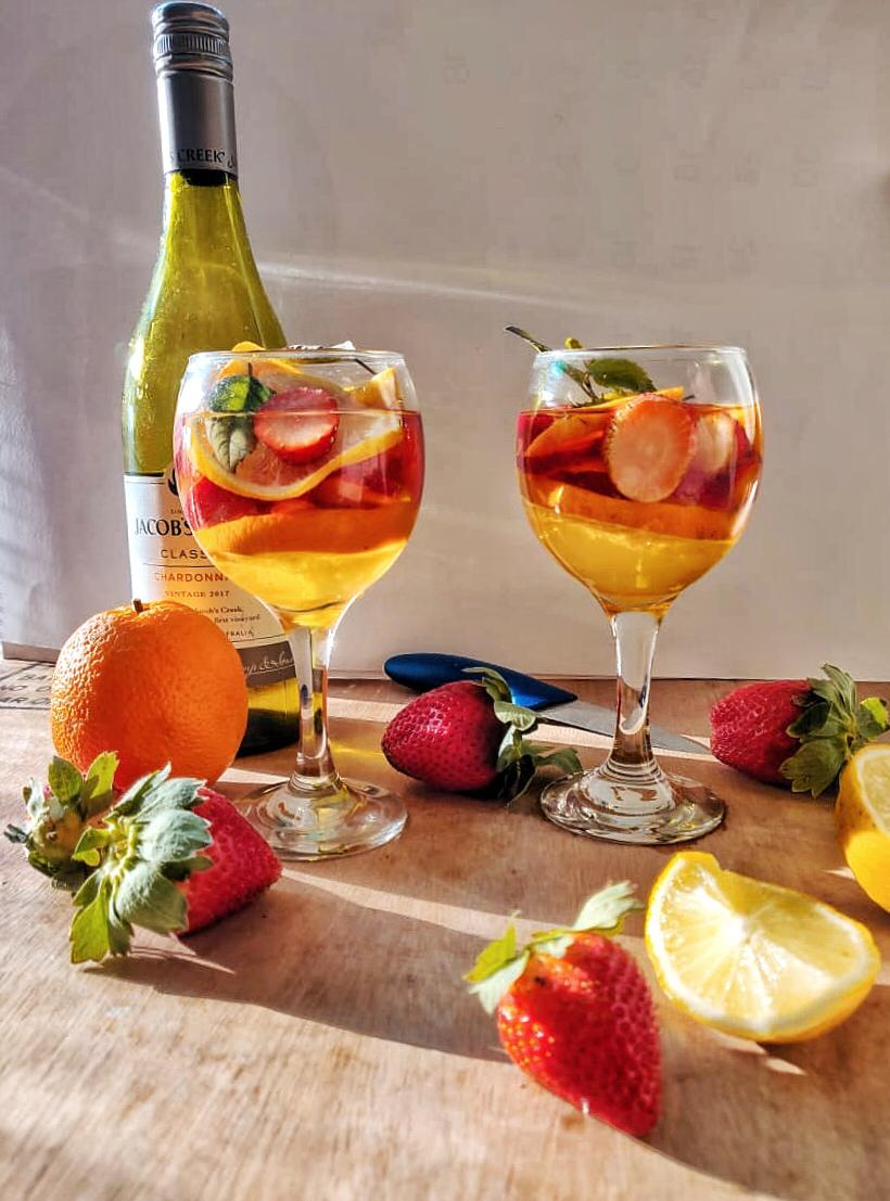 Strawberry_Orange_White_Wine_Sangria