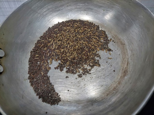 Roasted Mustard and Cumin Seeds