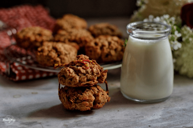 Enjoy honey and oats cookies with milk