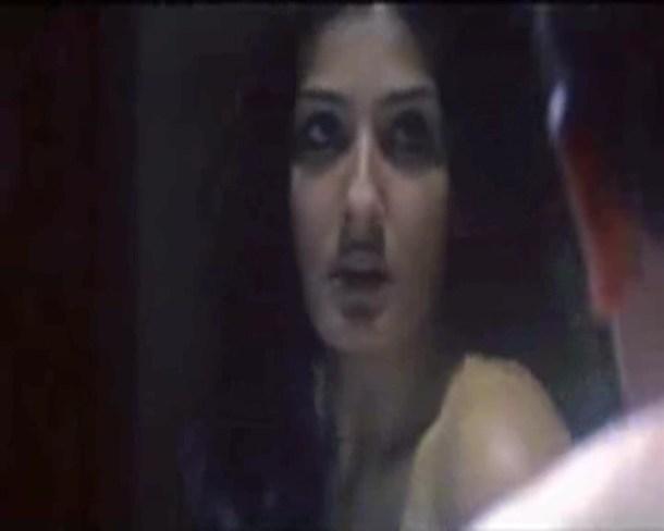Raveena2