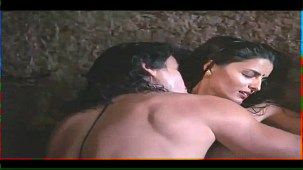 Helen_Brodie_White Saree_Topless_18