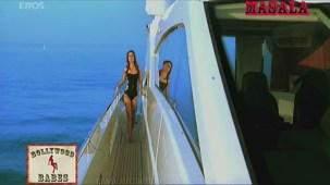 Kareena in a sexy black swimsuit_002