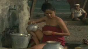 Smita Patil in _Chakra - YouTube(7)[19-52-00]