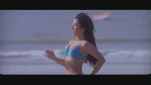 Sophie Choudary hot scene-Daddy Cool -[(001027)19-33-28]