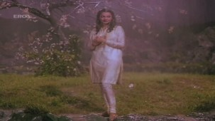Boonden Nahin Sitare song - Saajan Ki Saheli by majidsamad.mp4 - YouTube[22-50-08]