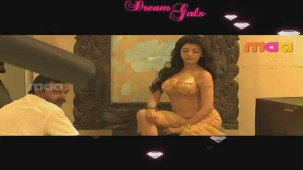 Dream Girls _ Kajal Agarwal - YouTube(2)[(012184)20-47-24]
