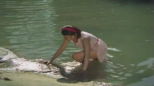 Mera Naam Joker - Drama Scene - Rishi Kapoor - Simi Garewal - Raju Secretly Eyes Mary - YouTube(2)[(000038)21-18-53]