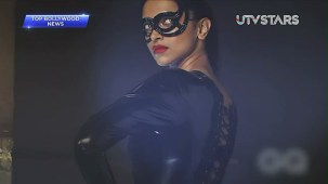 Sexiest Deepika Padukone exposes her curves!! - UTVSTARS HD - YouTube[(000752)19-51-24]